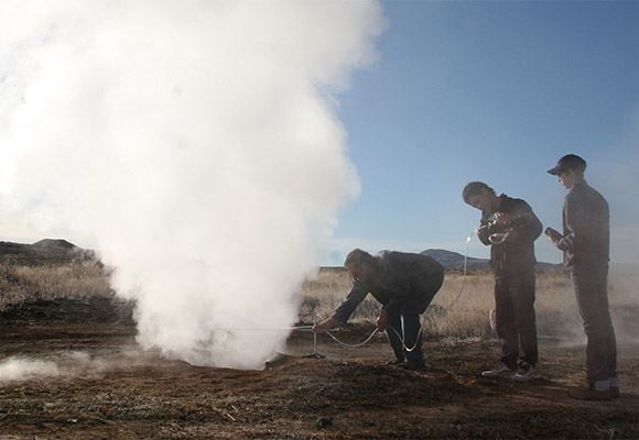 Collecting fumarole gasses
